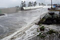 Волны «ёримавари-нами» в феврале 2008 г. (пгт Нюдзэн)