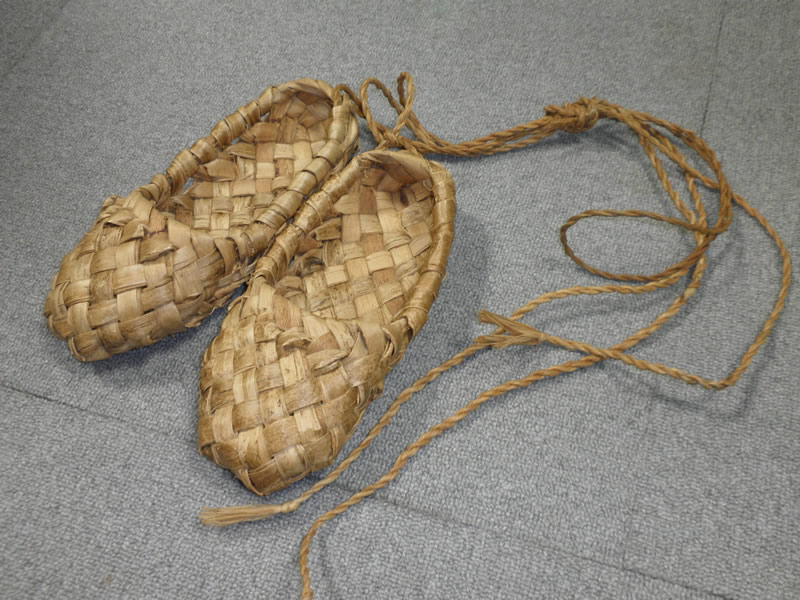 http://www.tic-toyama.or.jp/extra_information/img/russian-shoes.jpg
